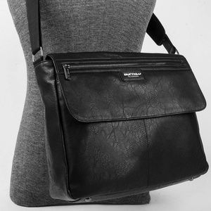 Buffalo Messenger Bag Black International Carry-On